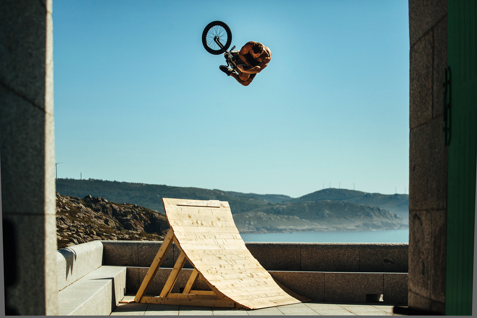 fly-bikes-coastin-part-3-by-vince-perraud-9